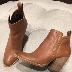 dolce vita ankle boots gently worn